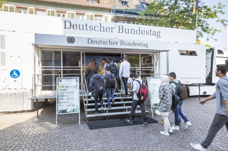 Das Infomobil des Deutschen Bundestages ist vom 24. Mai bis zum 25. Mai 2018 auf dem