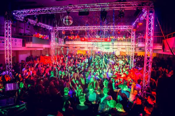 Ultimative Party in der Stadthalle