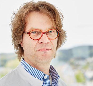 Dr. Martin Vielhauer referiert zum Thema Reizdarmsyndrom und Lebensnmittelunverträglichkeiten.